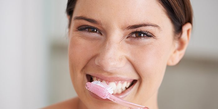 Sore Gums: Causes, Treatments and Relief for Sensitive Gums